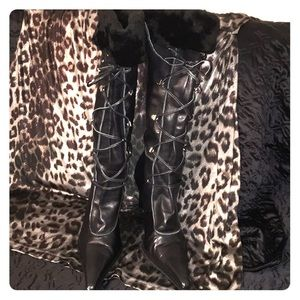 Shoes - Black leather lace up sheep fur top boots. Brazil